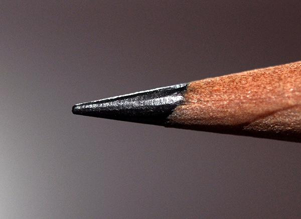 Le graphite compose la mine de nos crayons à papier.