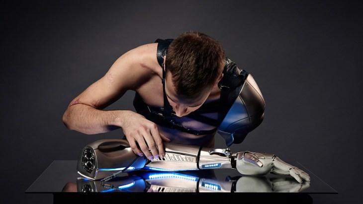 Transhumanisme : homme augmenté, cyborg et immortalité ? - Toile ...